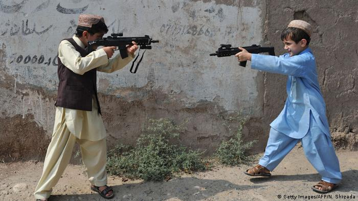 Plastic bags for sale - Afghanistan Bans Sales Of Toy Guns News Dw Com 21 07