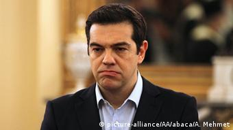 «Ο πρωθυπουργός Αλέξης Τσίπρας είναι δυσαρεστημένος με τη συμπεριφορά της αναπληρώτριας υπουργού Εργασίας»