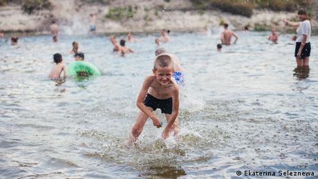Літні табори: як убезпечити своїх дітей від різних халеп (відео)