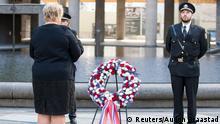 Oslo Norwegen Breivik Attentat Erna Solberg Kranz