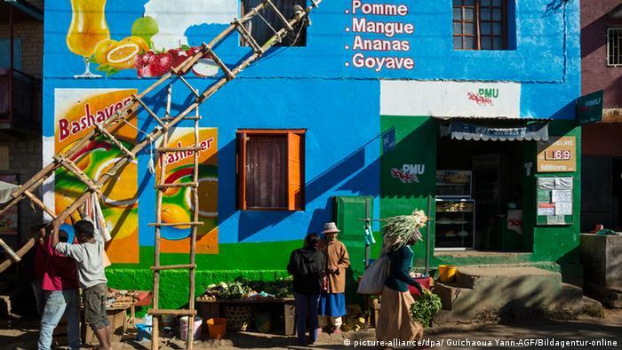 Dois mortos em protestos em Madagáscar   Internacional – Alemanha ... 05d7f32760