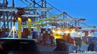 Nationale Maritime Konferenz - Containerschiffe