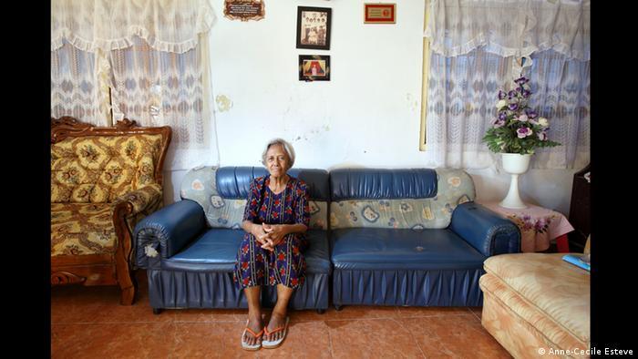 Yohana aus Kupang, Ausstellung The Act of Living (Foto: Anne-Cecile Esteve/www.acesteve.com)