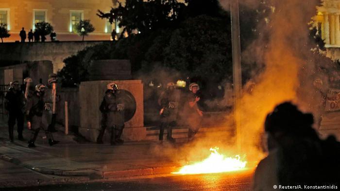 Rebeliune antireforme şi anti-establishment la Atena, la 22 iulie 2015