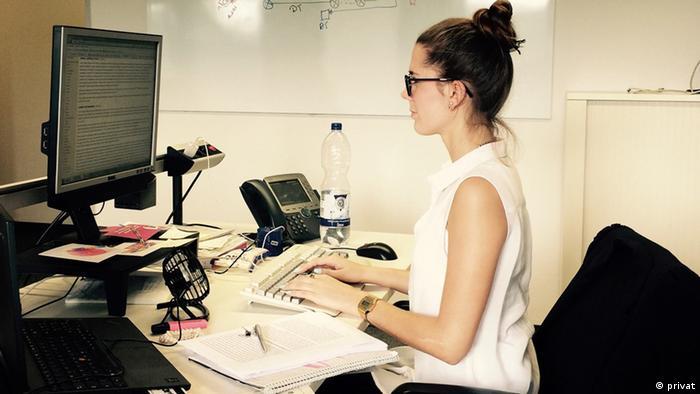 Junge Frau im Büro (privat)