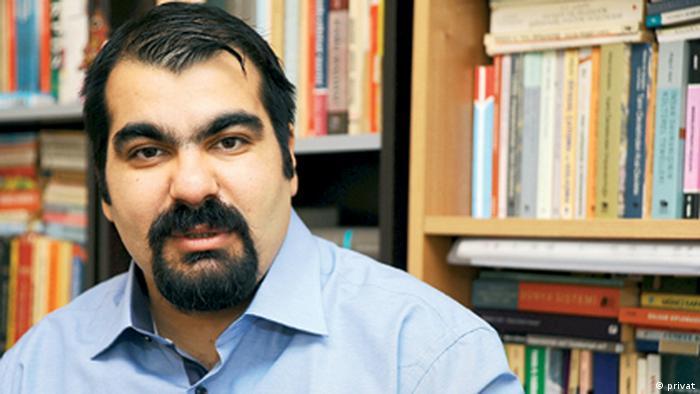 Ortadoğu uzmanı Serhat Erkmen
