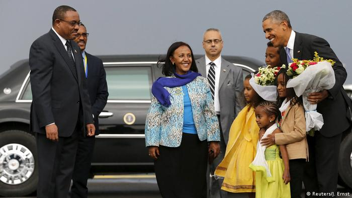 Ethiopian Prime MInister Hailemariam Desalegn greets US President Barack Obama in Addis Ababa