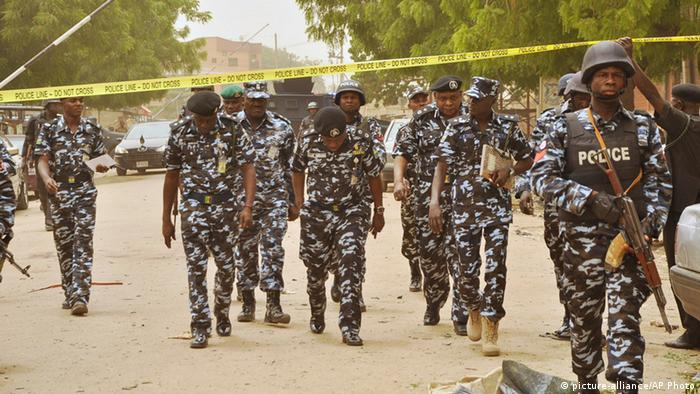 Bombenexplosion Polizei in Nigeria (picture-alliance/AP Photo)