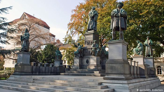 O maior monumento mundial dedicado a Lutero em Worms