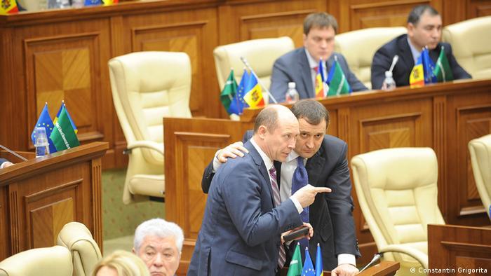 Valeriu Streleț, în legislativul de la Chișinău, alături de Vlad Filat