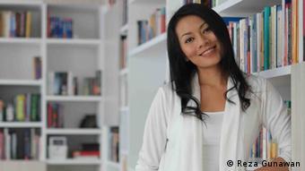 Indonesische Autorin Dewi Lestari (Foto: Reza Gunawan)