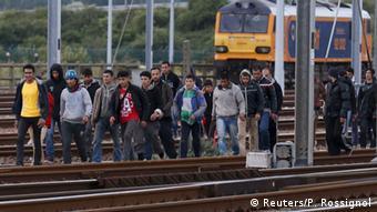 Frankreich Flüchtlinge am Eurotunnel Calais