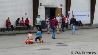 Deutschland Wlan für Flüchtlinge in einer Notunterkunft in Witten