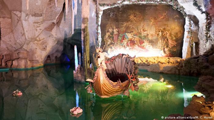 Bildergalerie Happy Birthday Ludwig künstliche Tropfsteinhöhle mit See und Wasserfall