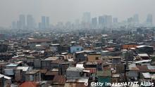 Pemandangan permukiman kumuh di pinggiran kota Manila, Filipina