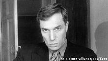 Der russische Schriftsteller in einer undatierten Aufnahme. Der Verfasser des weltberühmten und sehr erfolgreich verfilmten Romans Doktor Schiwago mußte unter politischem Druck den ihm 1958 zuerkannten Literatur-Nobelpreis zurückweisen. Pasternak wurde am 10. Februar 1890 in Moskau geboren und ist am 30. Mai 1960 in Peredelkino gestorben.
