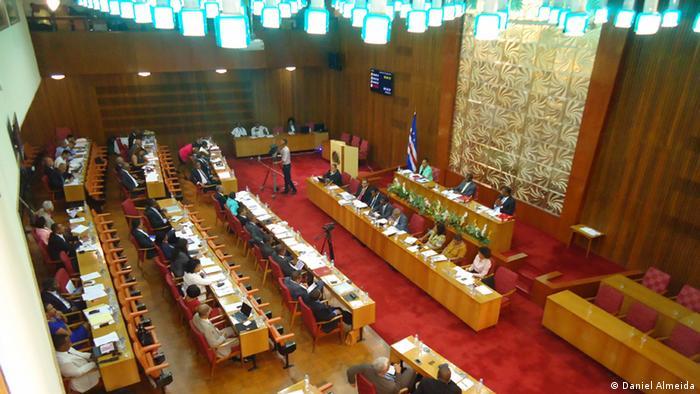 Sessão no Parlamento de Cabo Verde