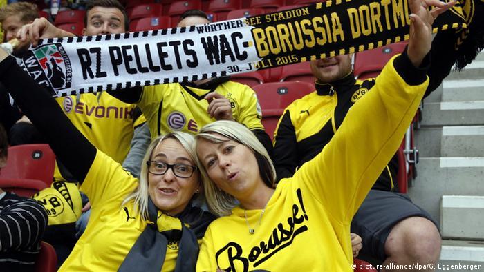 Dortmund Fans Schaal in Wolfsberg