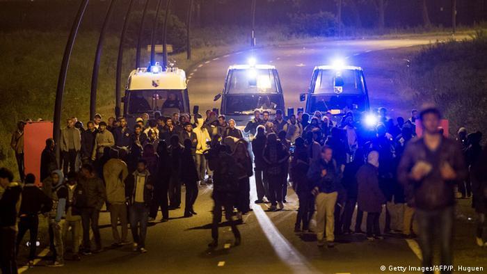 Frankreich Flüchtlinge am Eurotunnel bei Calais