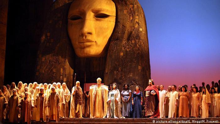 Produção de Aida, de Giuseppe Verdi, em Florença