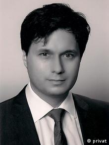 O Λάζαρος Μηλιόπουλος, πολιτικός επιστήμονας από το Πανεπιστήμιο Βόννης