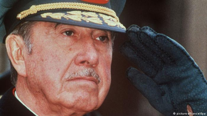 Chile Augusto Pinochet (picture-alliance/dpa)