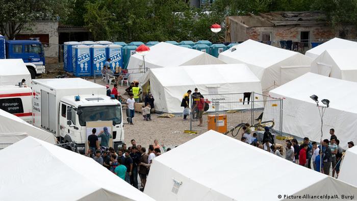 Палаточный лагерь в Дрездене