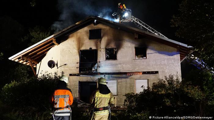 Пожар в будущем общежитии для беженцев в Ремхингене