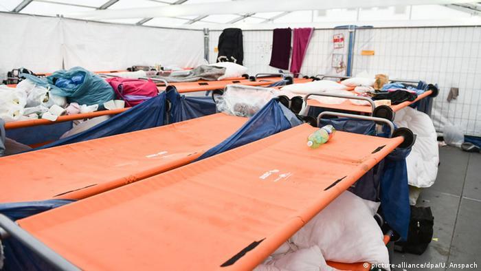 Etagenbetten Bundeswehr : Bundeswehr stellt unterkünfte für mehr als flüchtlinge bereit