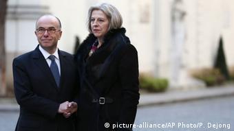Frankreich Großbritanien Innenminister Bernard Cazeneuve und Theresa May