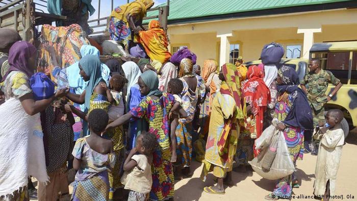 Nigeria Befreite Geiseln Boko Haram. Foto: AP Photo/Jossy Ola