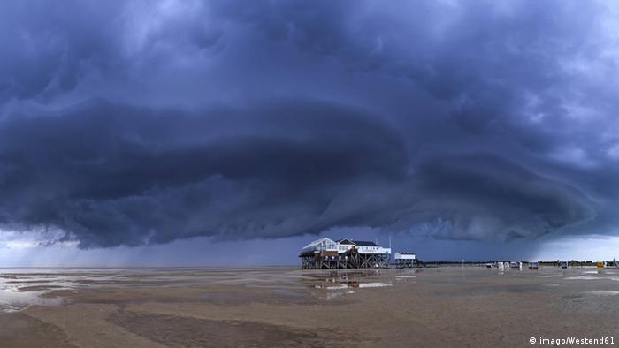 Das Wattenmeer an der Nordseeküste  Foto: imago/Westend61