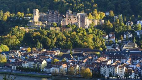 Das Schloss über der Altstadt von Heidelberg Foto: imago/Volker Preußer