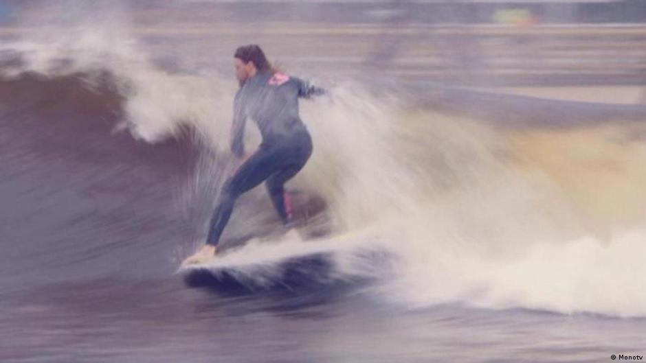 Surf snowdonia surfing in wales all media content dw - Mulheim karlich mobel ...
