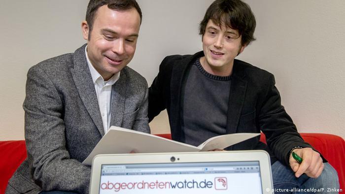 Internetportal abgeordnetenwatch.de Gregor Hackmack Boris Hekele (picture-alliance/dpa/P. Zinken)