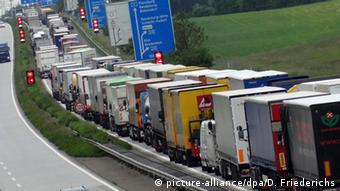 Грузовики на немецком автобане