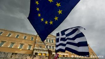 Aναδρομή στις απαρχές της ελληνικής κρίσης χρέους και της ευρωκρίσης κάνει η FAZ