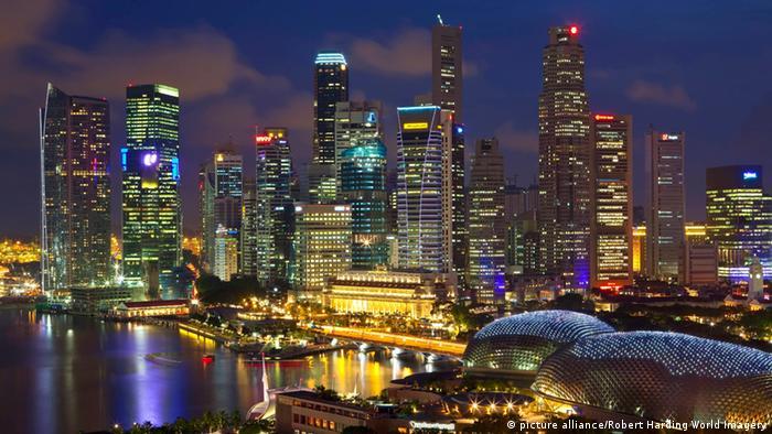 Singapur Skyline mit Hafen