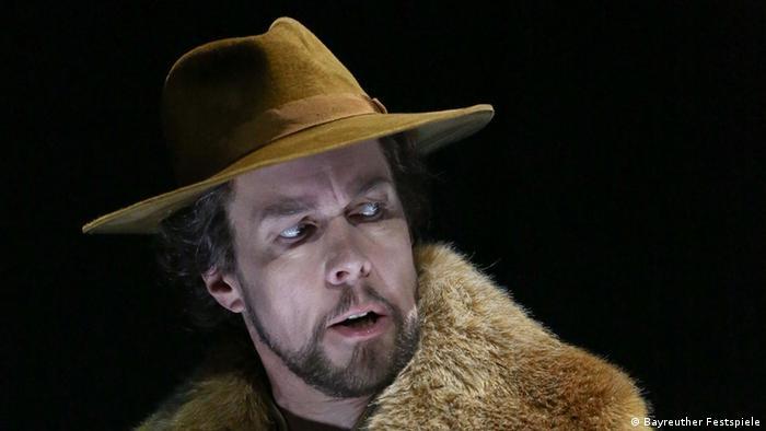 Georg Zeppenfeld en el papel del rey Marke en Tristán e Isolda en el Festival de Bayreuth de 2015.