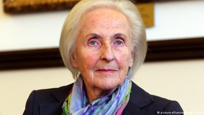 bmw stakeholder and billionaire johanna quandt dies at 89. Black Bedroom Furniture Sets. Home Design Ideas