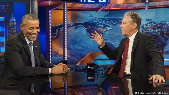 Jon Stewart mit Barack Obama bei einer Aufzeichnung von The Daily ShowMitte Juli (Foto: SAUL LOEB/AFP/Getty Images)