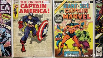 Marvel Comics Captain America Giant Size Captain Marvel - Zei Cover mit Superhelden drauf (Getty Images/ M.Tama)
