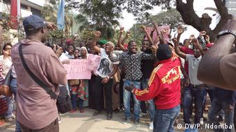 Angola Demonstration - Mütter von Aktivisten