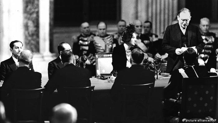 Indonesien Unabhängigkeit Souveränitätsübergabe Königin Juliana 1949 in Amsterdam