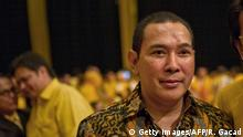 Bildunterschrift:In this photograph taken on October 28, 2014, Tommy Suharto, son of late Indonesian strongman Suharto attends the 50th anniversary celebration of the Golkar Party at the Jakarta international expo pavillion. Hediati and Tommy graced the celebration in the background as chairman of the Golkar Party, Indonesian business tycoon Aburizal Bakrie led the celebrations of the political party that late dictator Suharto established and to this day remains a strong contender in Indonesian politics according to political observers. AFP PHOTO / ROMEO GACAD (Photo credit should read ROMEO GACAD/AFP/Getty Images)
