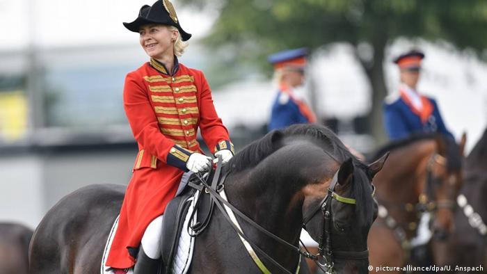 Ursula von der Leyen na konju u Ahenu tokom otvaranja Evropskog prvenstva u jahanju