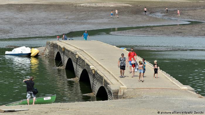 Затопленный мост через Эдер