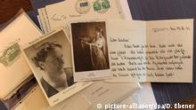 Handwritten letters and photographs on display at the Villa Wahnfried Richard Wagner Museum in Bayareuth (picture-alliance/dpa/D. Ebener)