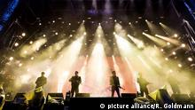 Die Band K.I.Z. steht am 06. Juni 2015 während dem Musikfestival Rock am Ring in Mendig auf der Bühne.