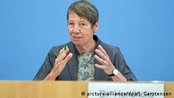 Η γερμανίδα υπουργός Περιβάλλοντος Μπάρμπαρα Χέντριξ υπογράμμισε τη γερμανική συμβολή στη μάχη κατά της κλιματικής αλλαγής